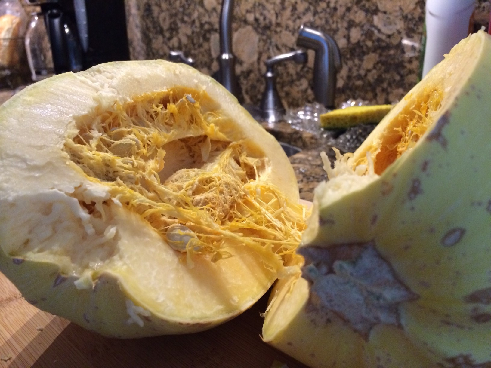 How to cook spaghetti squash laur of all trades for What to make with spaghetti squash